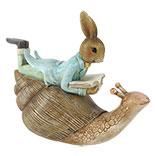 Decoratie liggend konijn op slak
