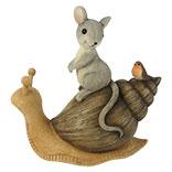 Decoratie zittend muis op slak
